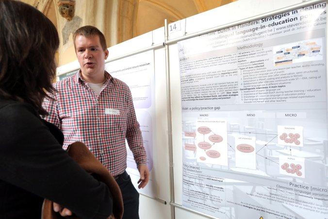 Alweer enorm flatterend op de foto, zoals steeds (bron: Beeldbank UGent, meer foto's op http://www.beeldbank.ugent.be/fotoalbums/1302/52923)